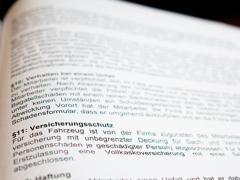 Verträge im Arbeitsrecht | Symbolbild Anwalt für Arbeitsrecht München