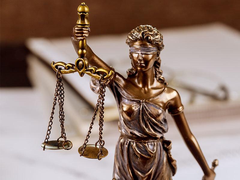 Justitia - Symbolbild Anwalt Arbeitsrecht München